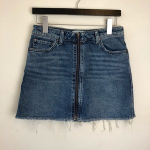 Free People We The Free size 26 zip up jean skirt